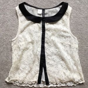 🖤NWOT🖤Sleeveless lace button up top